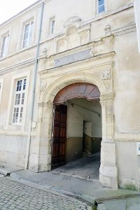 The side entrance of the motherhouse in Reims of the Sisters of the Child Jesus where it's likely that De La Salle met Adrian Nyel the first time.
