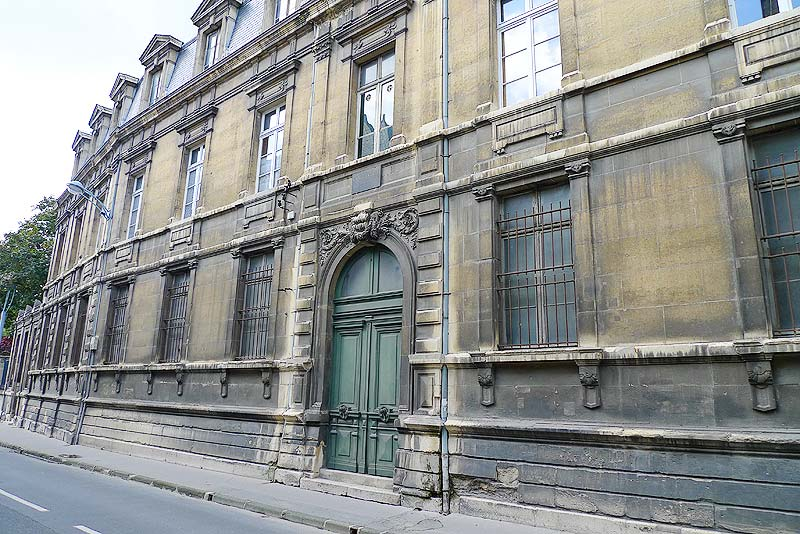 Facade of the College des Bons Enfants, pretty much as it looked in the time of De La Salle.