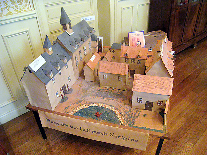 Representation of the early buildings at the motherhouse in Reims of the Sisters of the Child Jesus.