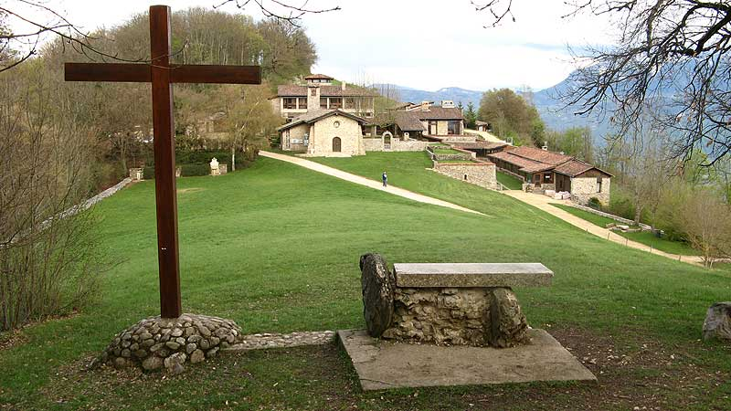 Overview of the Parmenie retreat center. The chapel is in the center.