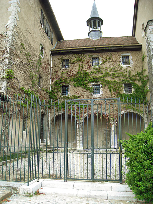 The side gate into the Convent of the Sisters of the Visitation, partially up the steps.