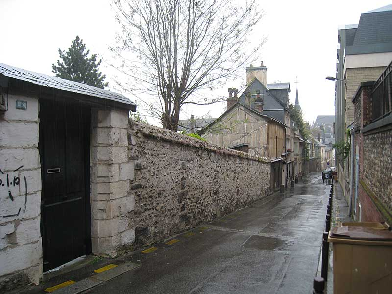 Looking down the street from the original house in Rouen where the first Brothers moved after living and working in the General Hospice.