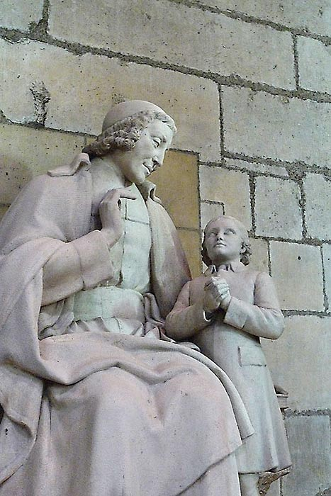The statue of De La Salle in the side chapel of the Reims Cathedral by Louis Lejeune (1884-1969).