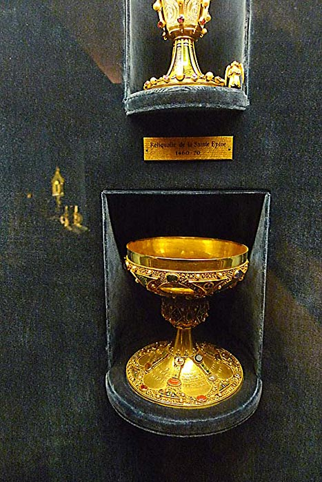 One of the chalices on display at the museum of the Palais du Tau, dating from the end of the 17th century, De La Salle's time.