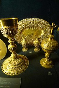Paten and cruets in the back used by De La Salle, possibly at his first Mass.