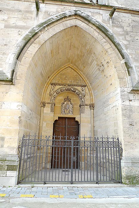 The side door of the Reims Cathedral through which the Canons would enter from their Chapter House next door. De La Salle would have used this door during the 16 years that he was a Canon.