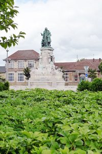 Statue of De La Salle at the Place St. Clement in Rouen, at the corner of the former St. Yon property.