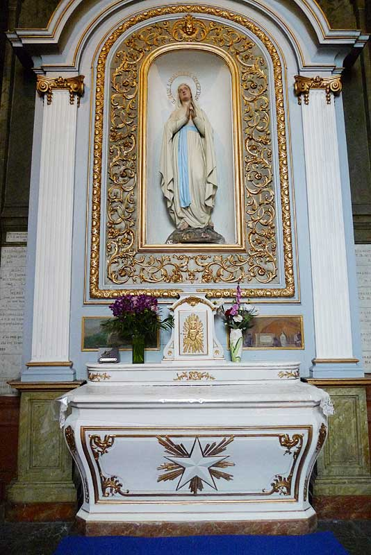 Altar inside the Church of St. Sever