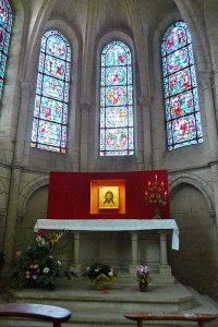 A small chapel inside of the cathedral of Laon.