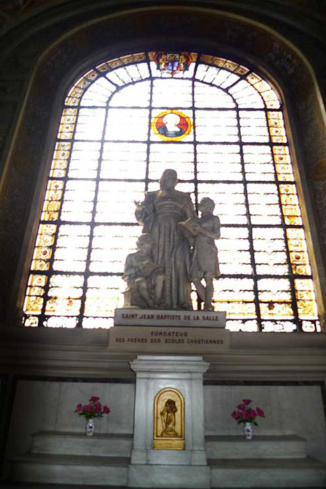 Statue of De La Salle in the side chapel at the church of Saint Sulpice.