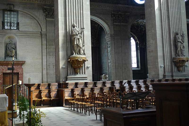 Nave area of the church of Saint Sulpice.